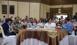 Menkominfo bersama dengan Menhub, Sekjen Kominfo, Dirjen SDPPI, Kepala BPSDM pada acara Pembukaan Pusat Pelayanan Terpadu Ditjen SDPPI tahun 2020 di Gedung Wisma Antara dan Persiapan Zona Integritas Menuju Wilayah Birokrasi Bersih dan Melayani (WBBM) tahun 2020 (14/1).