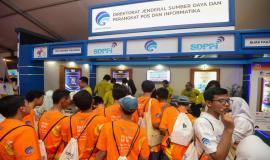 Peserta kegiatan memenuhi booth Ditjen SDPPI pada kegiatan KOMEXPO 2019 di Jakarta (26/8).