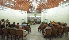 Situasi saat kegiatan audiensi penerima TOP 3 Anugerah ASN 2019 dengan Bapak Wakil Presiden RI berlangsung di Istana Merdeka, Jakarta (14/01).