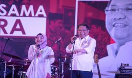 Menkominfo Rudiantara memberikan sambutan terakhirnya sebagai Menteri Komunikasi dan Informatika RI bersama Komika dari Balitbang SDM pada acara Syukuran 5 Tahun bersama Chief RA dan seluruh civitas Kemkominfo di Lapangan Anantakupa, Jakarta (22/10).