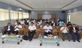Pembukaan Pelatihan Pembentukan Pengendali Frekuensi Radio Tingkat Terampil juga turut dihadiri Direktur Operasi Sumber Daya Dwi Handoko, Direktur Penataan Sumber Daya Denny Setiawan, Kabalmon Tangerang Tri Joko, dan pejabat terkait (11/3).